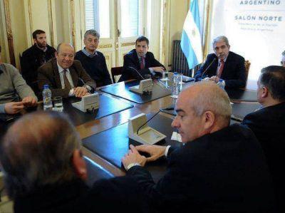 Barrera con Aníbal Fernández y los referentes de la quinta sección electoral