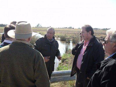Con foco en el Puente Roca, la oposición valoró las obras hídricas