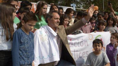 Daniel Scioli se reunirá con intendentes bonaerenses para delinear la campaña electoral