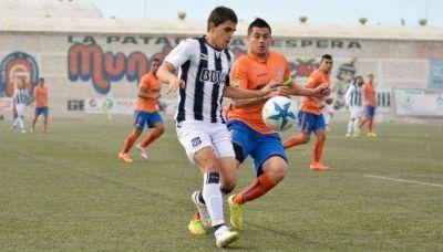Talleres venció a Deportivo Roca en el sur y se afianza en la punta