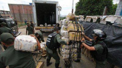 Militares venezolanos recibieron sobornos para contrabandear gasolina a Colombia