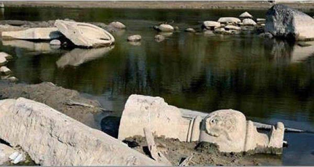La sequía en Polonia descubre lápidas judías bajo los ríos