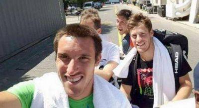 Federer no se olvida que Mayer lo tuvo contra las cuerdas en Shangai