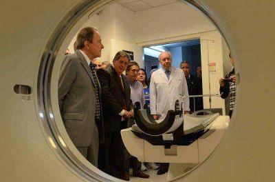 """Nuevo tomógrafo para el hospital """"Cetrángolo"""" de Vicente López"""