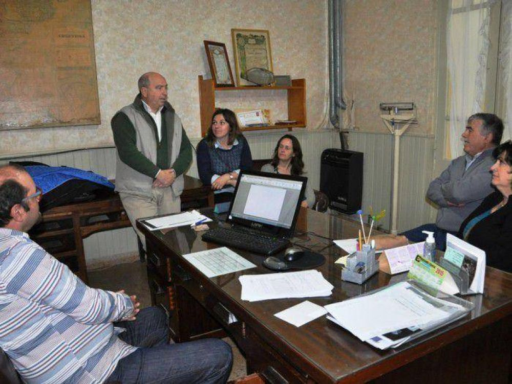 Fernández entregó fondos al Instituto Almafuerte de Copetonas