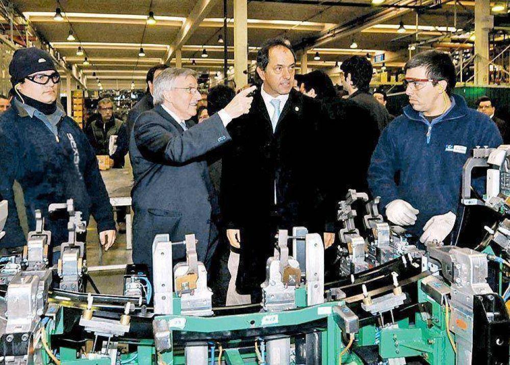 """Scioli dijo que a la pobreza se la combate """"con inversiones""""."""