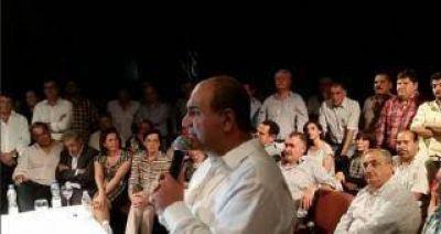 Manzur pide a los votantes del FpV salir a las calles