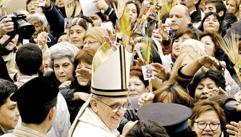 """Como el Papa, Bergoglio sostuvo que la pobreza es """"escandalosa""""."""
