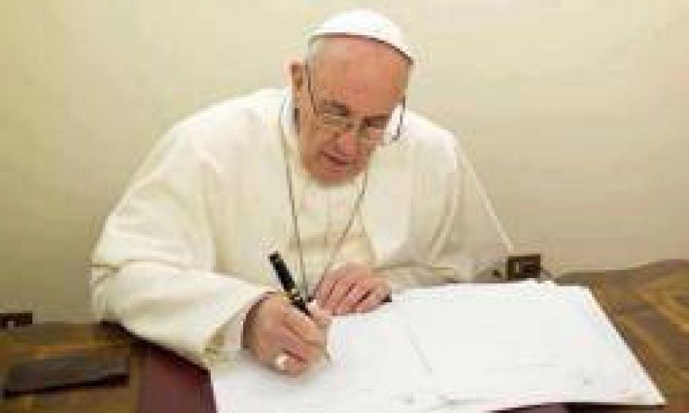 El Papa Francisco le envió una carta al colegio Pio XII