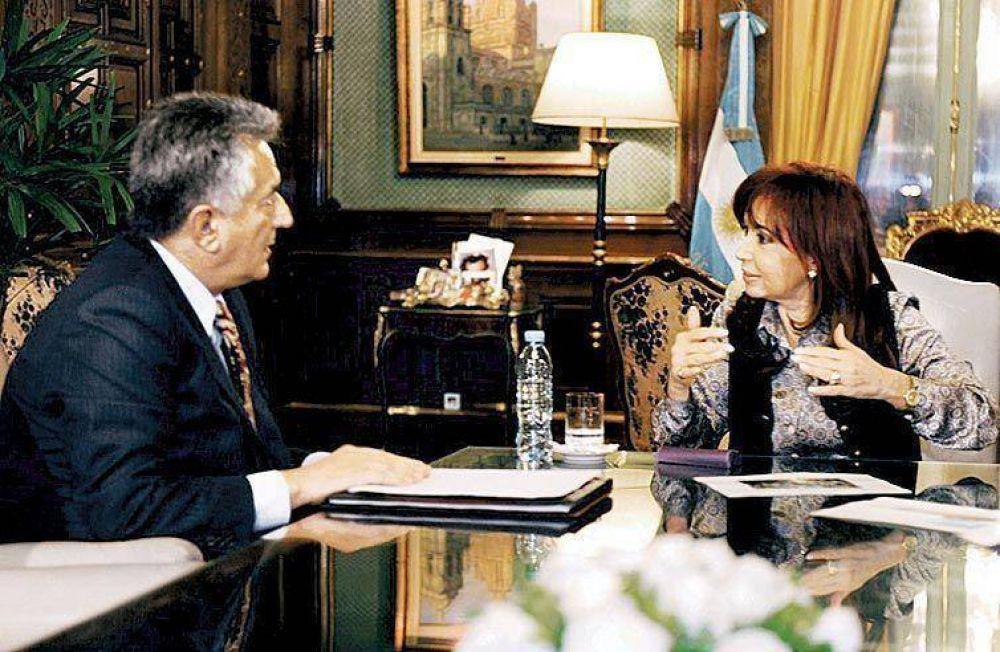 Rodríguez Saá pasó por la Rosada y citan a Schiaretti.