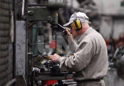 Tras 15 meses de ca�da, vuelve a crecer la industria en la provincia de Santa Fe