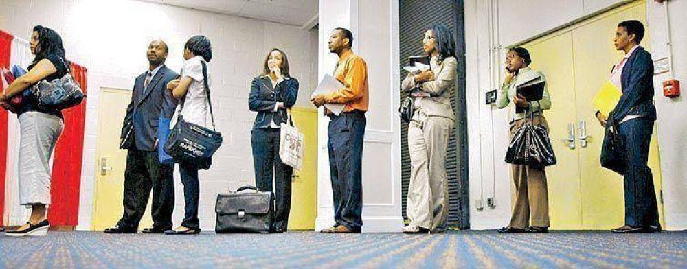 El desempleo en los EE.UU se frena, pero aún es del 9,4%