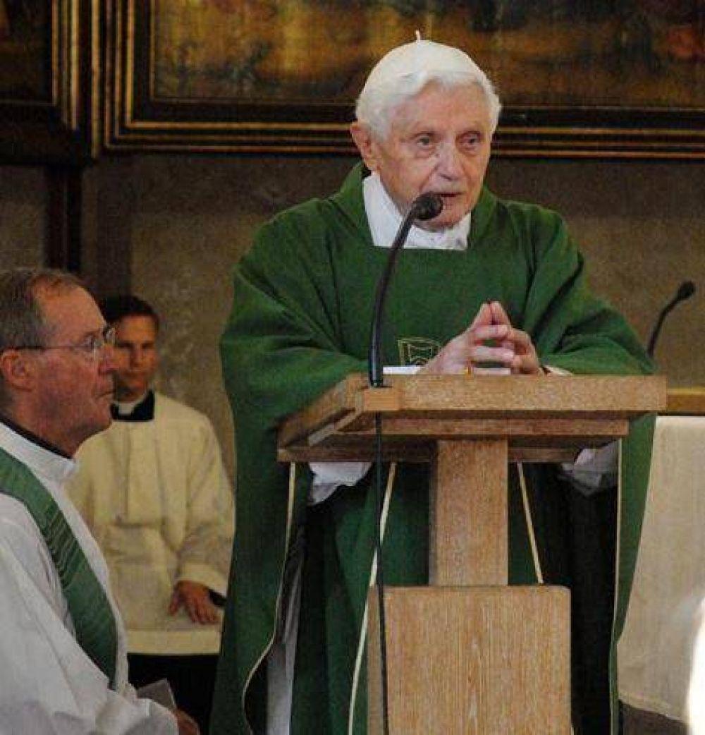 Benedicto se reunió con sus antiguos alumnos; habló del corazón puro