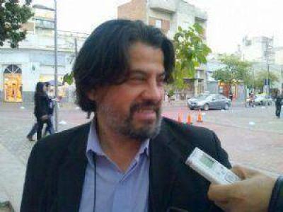 Diputados convocan a Ariza