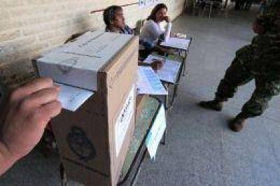 El Gobierno negó cambios en el sistema electoral para octubre