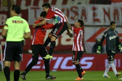 Estudiantes venció a Quilmes con una descollante tarea de Hilario Navarro