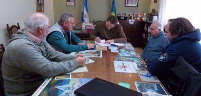 Trankels le entregó un subsidio a los bomberos voluntarios de Villa Ventana