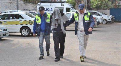 La Policía detuvo a un delincuente acusado del doble homicidio ocurrido en Emilio Castelar y 25 de Mayo