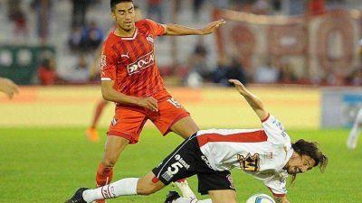 Huracán rescató un empate en el final frente a Independiente