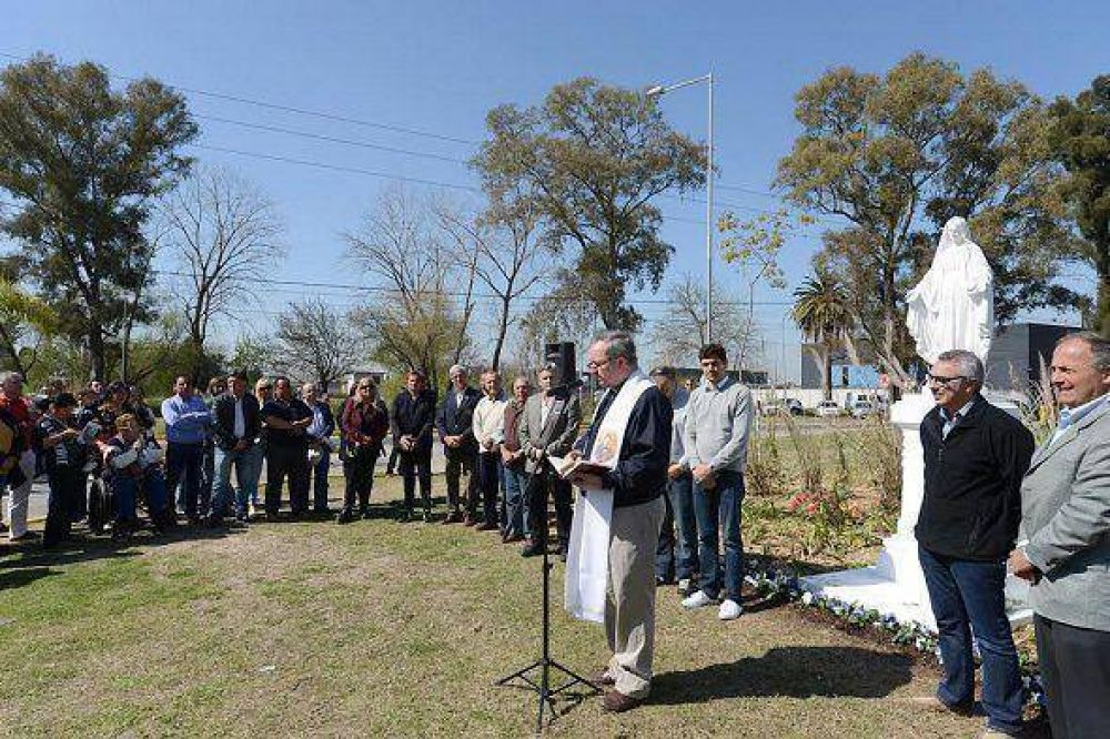 Se realizó la entronización de la Virgen Medalla Milagrosa en Tigre
