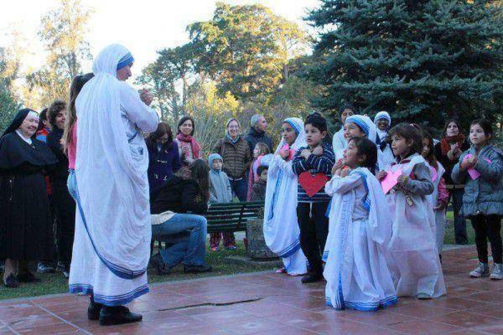 El obispo recordó a la beata Teresa de Calcuta en su día