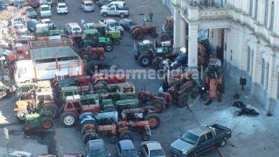 Tras días de acusaciones cruzadas, Urribarri recibe este lunes a los productores