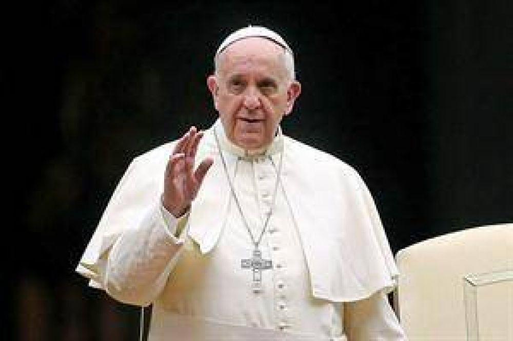 En el Vaticano afirman que Francisco no tiene previsto venir al país en 2016