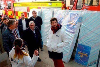 Arba entregó mercadería decomisada a afectados por la inundación