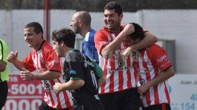 Federal B: Sansinena goleó 4 a 0 a Villa Mitre y Liniers le ganó 3-1 a Deportivo Sarmiento de Suárez