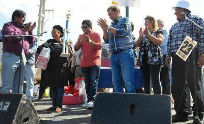 En Barrio Castañares: Alejandra Quintos y Juana Coria, ganadoras de la Feria de la Cocina Regional