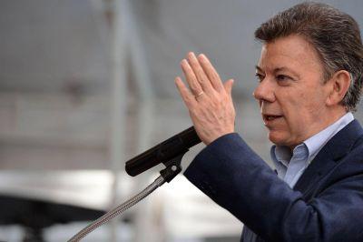 Santos dijo que aceptó una mediación de Tabaré Vázquez y está dispuesto a conversar con Maduro