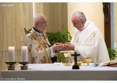 Cristianos perseguidos hoy, en el silencio de las potencias, dijo el Papa en Santa Marta