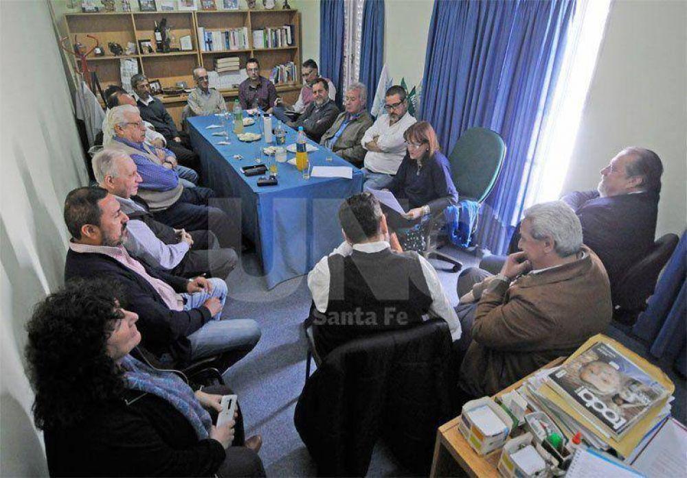 Los gremios estatales de la provincia de Santa Fe rechazan cualquier reforma previsional