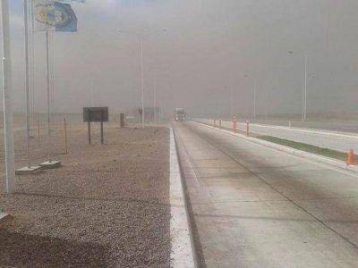 Un fuerte viento Zonda en el Valle de Uco obligó a suspender las clases y provocó destrozos