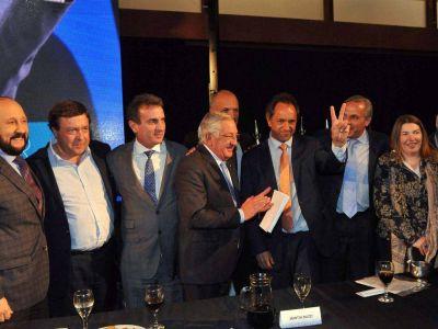 Petr�leo: Scioli prometi� mantener el precio del crudo