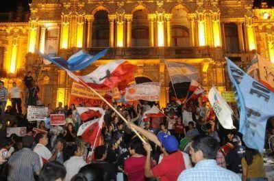 Sin Cano, los indignados regresaron a la plaza