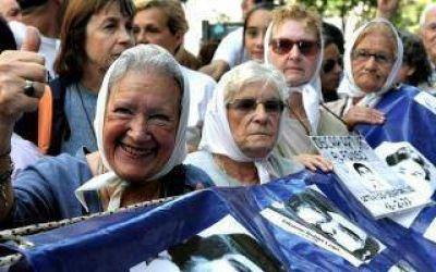 Madres de Plaza de Mayo L�nea Fundadora recibir� el Honoris Causa en la UNLP