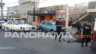 Motociclista resulta herido en un triple choque sobre calle Irigoyen
