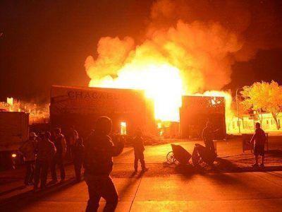 Se incendi� un aserradero en Las Heras y evacuaron las casas vecinas