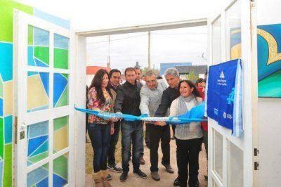 El gobernador Poggi comenzó la jornada en Juan Llerena inaugurando 2 nuevas empresas