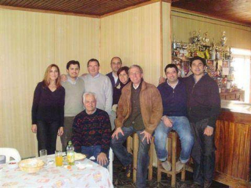 Los concejales electos de Unión-Pro visitaron La Violeta.