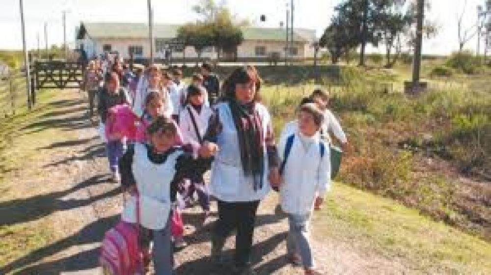 Virginia Linares pidió revalorizar la tarea de los Maestros Rurales
