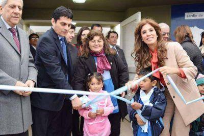 La gobernadora habilitó un jardín de infantes y viviendas en Matará