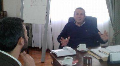 """Etchevarren, polémico: """"La oposición trabaja dos o tres horas por día y está para criticar"""""""