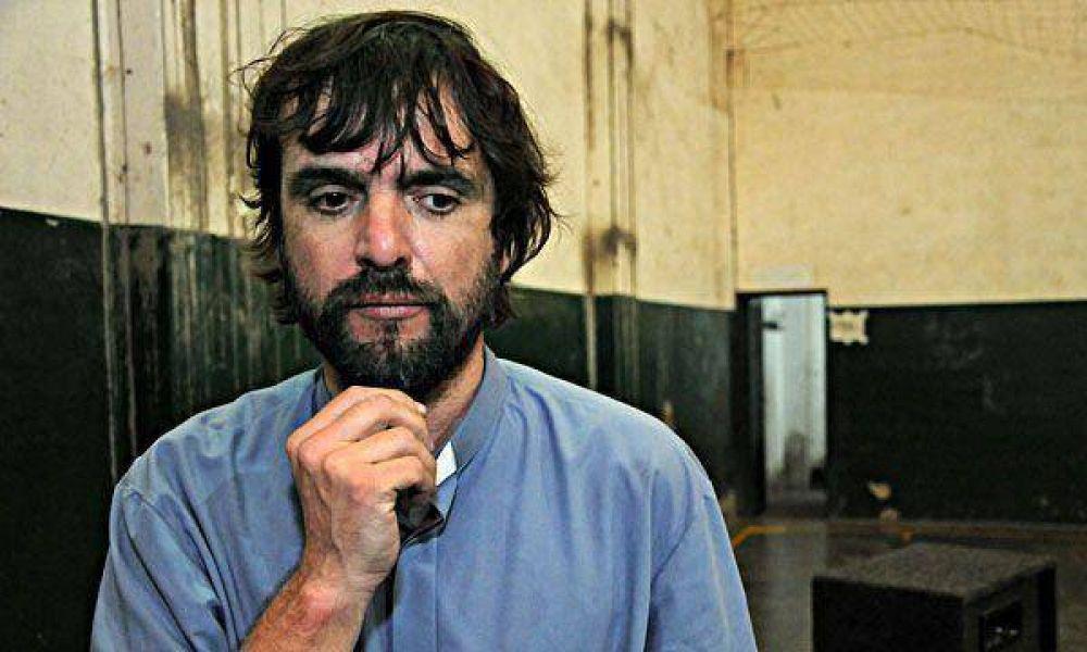 """Cura villero asegura que en el 2001 se vivían """"tiempos más difíciles""""."""