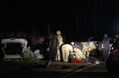 Un beb� y 3 adultos murieron en un choque de veh�culos