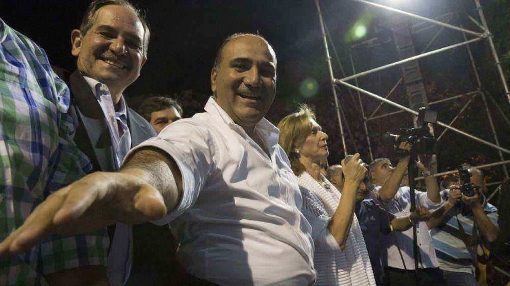 Tucumán: el escrutinio final dio ganador a Juan Manzur y hubo un multitudinario festejo del Frente para la Victoria