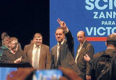 Scioli promete un pacto social con empresarios 'nac & pop'