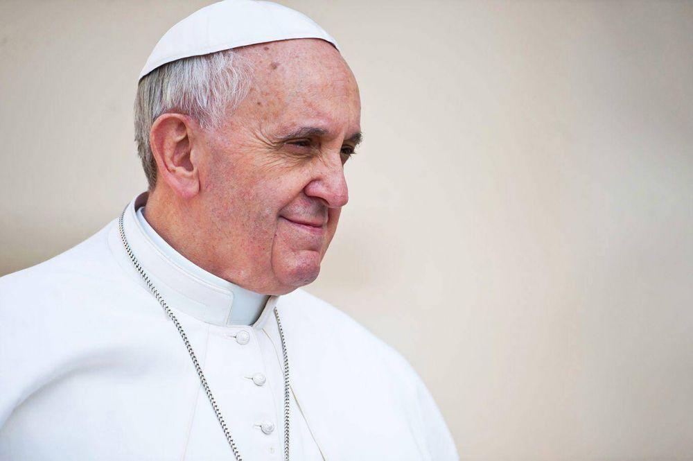 Francisco pidió tomar recaudos ante la posible infiltración de jihadistas