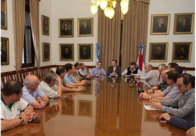 Ministros del gobierno provincial presentaron beneficios al sector rural